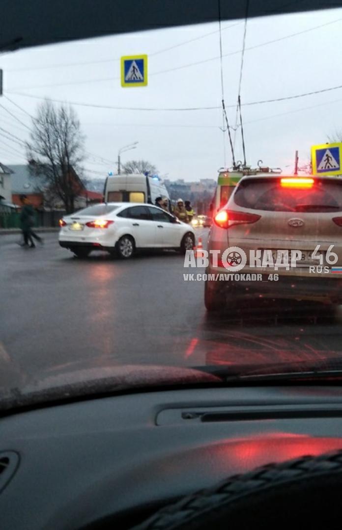 В Курске на пешеходных переходах сбили двух пенсионеров и молодого мужчину