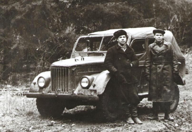 Г.К. Кольва с сослуживцем. 1950-е гг.
