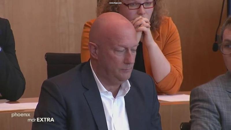 Politbeben Thüringen Linke wirft Kemmerich Blumenstrauß vor die Füße