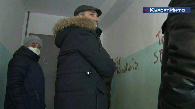 Неизвестные лица вывели из строя новый лифт в доме 15 по ул Токарева в Сестрорецке