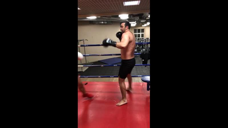 Тренировка по боксу от Крыни часть2 Заруба🥊🥊🥊😂