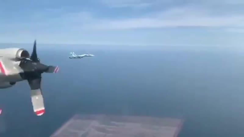 Пилоты Lockheed P 3C Orion ВМС Германии 🇩🇪 передают привет в виде специально изготовленного шеврона пилотам ВС РФ