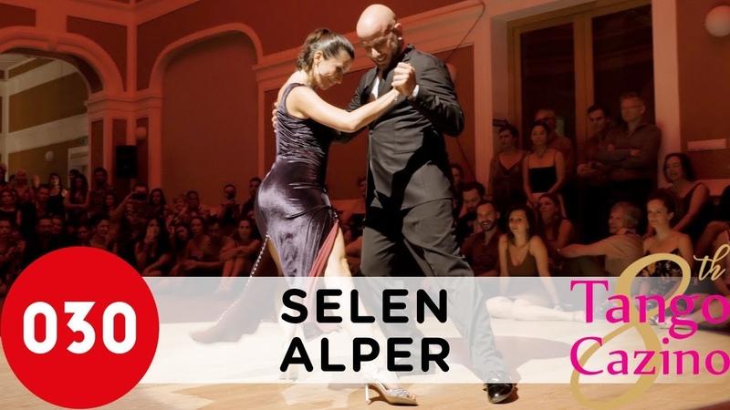 Selen Sürek and Alper Ergökmen – Dichas que viví SelenAlper