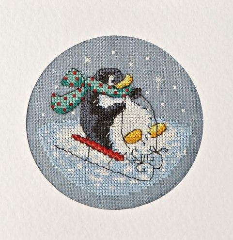 Вышивка пингвинов для подарочных мешочков и открыток.