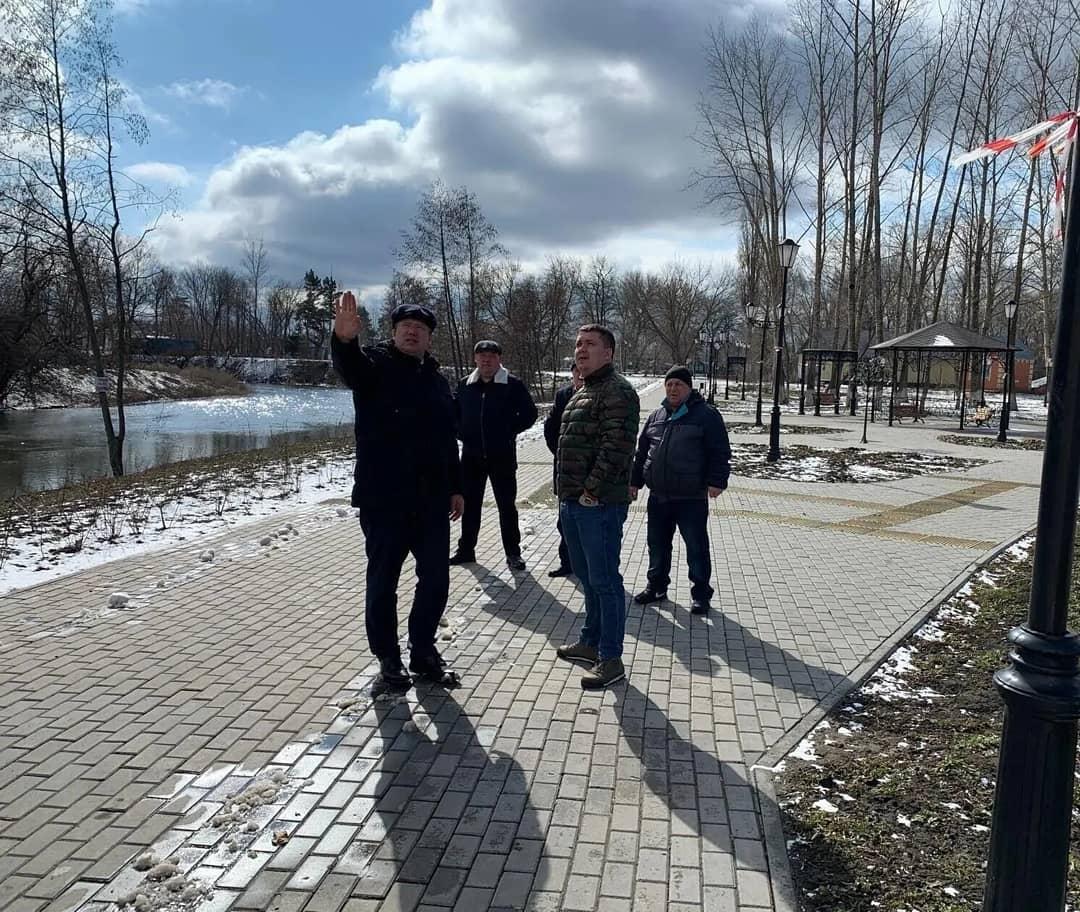 В Петровске проведён контроль строительных работ в рамках гарантийных обязательств подрядчика по государственным контрактам