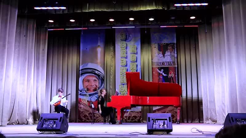 А Лоскутов Концерт для домры ре минор исполняет Никита Рыжов концертмейстер Татьяна Рыжова
