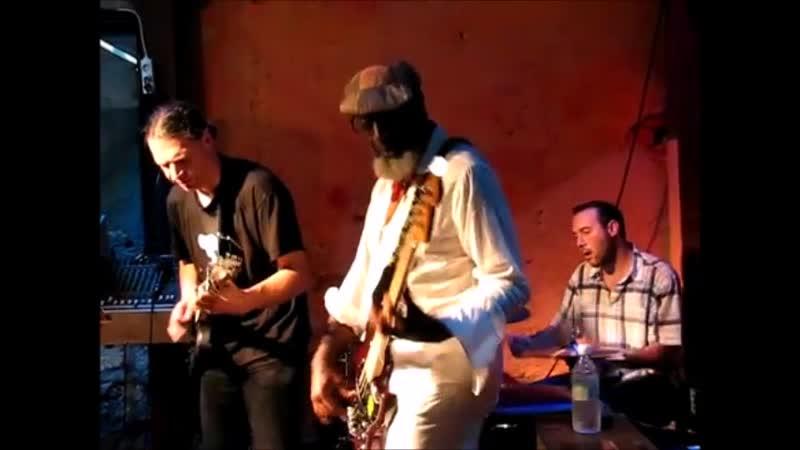 Мой фильмJamaaladeen Tacuma - Jam Session (Lent 2011) (360p