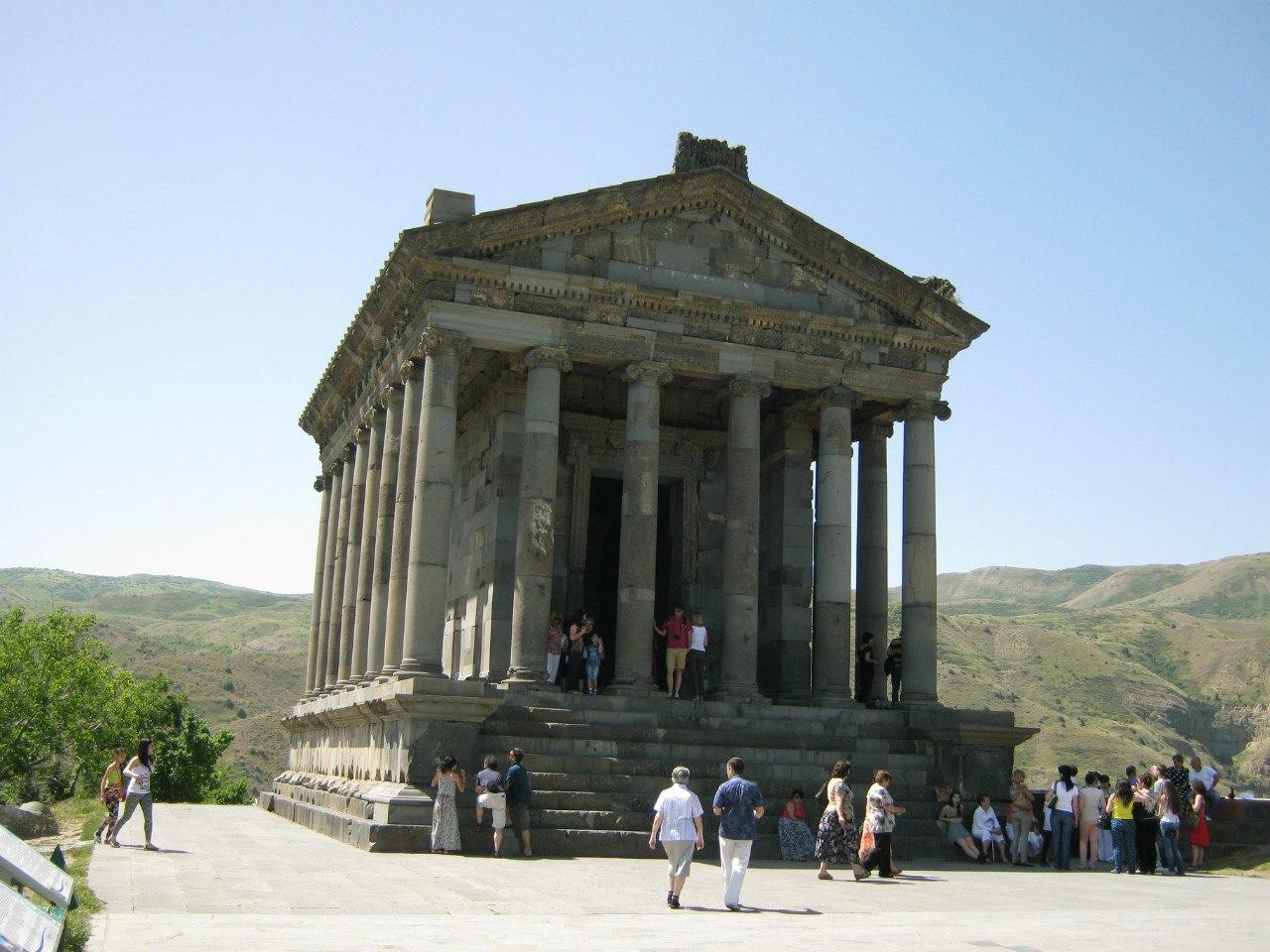 Языческий храм в Армении