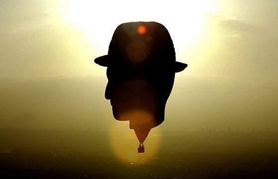 Воздушный шар в форме Винсента Ван Гога