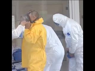 Владимир Путин посетил больницу в Коммунарке