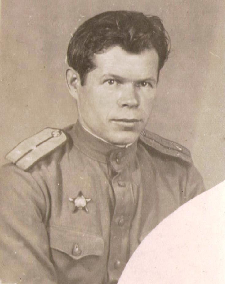 Григорий Кузьмич Кольва с орденом Красной Звезды. 1946 г.