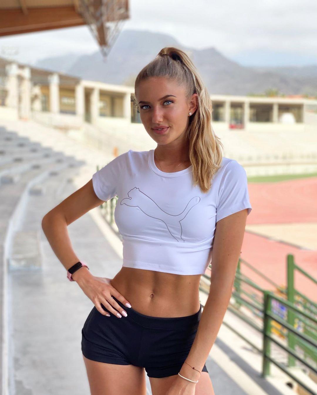 Немецкая бегунья Алиса Шмидт является самой красивой спортсменкой в мире, что думаете?
