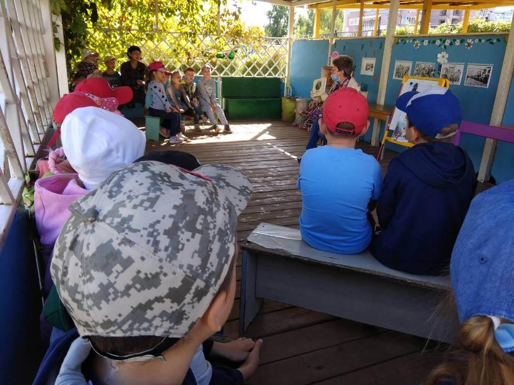27 августа прошла международная акция «Книжка на ладошке»