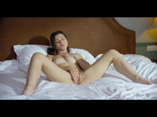 Haily Sanders - Discovering Selfsex [Solo]