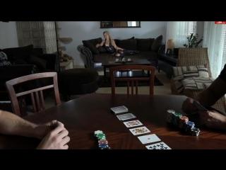 Парень проиграл в карты свою жену, но победитель оказался снисходительным-разрешил присоединиться к ебле его жены.
