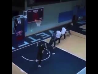 Как баскетболисты уходят с тренировки