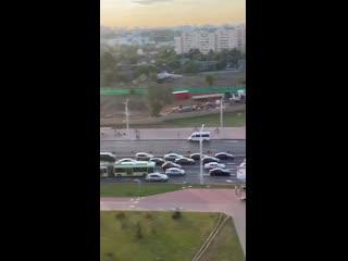 А вот видео со станции метро Грушевка.