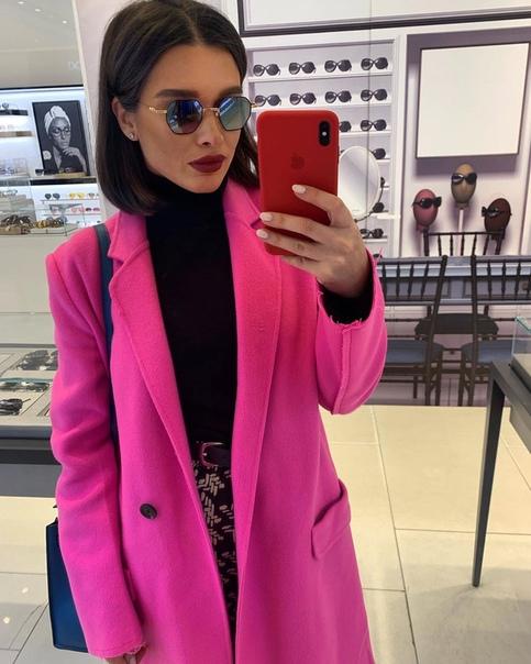 Ксения Бородина рассказала, сколько стоит пост в ее instagram. 400 тысяч рублей.