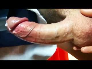 Довожу до оргазма массажем яиц гей порно домашнее хуй дрочит кончил сперма сквирт