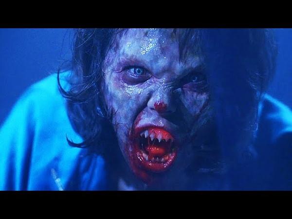 Корделия нападает на Уолли Байки из склепа Демон ночи 1995 Момент из фильма