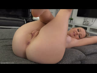 Natalia Queen – . (vkcom/drp0rn porn solo pussy shaved wet fingering russian girl masturbation toys)