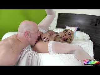 Audrey Maffia - Stunning Mexican Sissy Gets Loved Up And Banged [Tattooed Shemale]