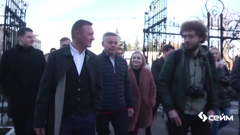Губернатор Роман Старовойт встретился с блогером Ильей Варламовым