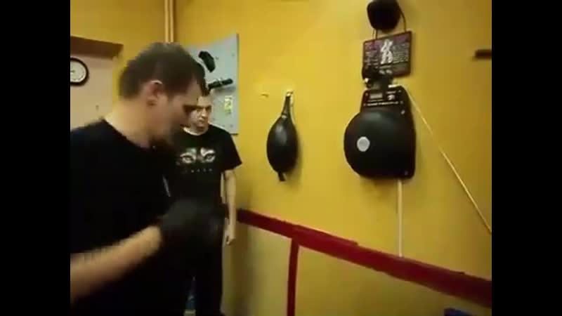 Как тренировать мощный удар прямой правой Тренировка нокаутирующего удара rfr nhtybhjdfnm vjoysq elfh ghzvjq ghfdjq nhtybhjdrf y