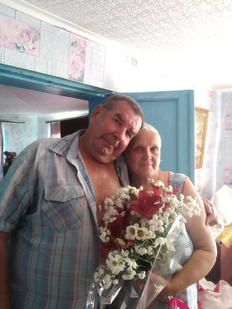 Сегодня супруги Волковы из села Вязьмино Петровского района отмечают золотую свадьбу