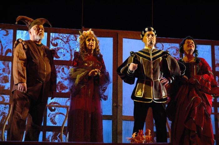Саратовский театр драмы ведёт трансляции архивных видеозаписей спектаклей