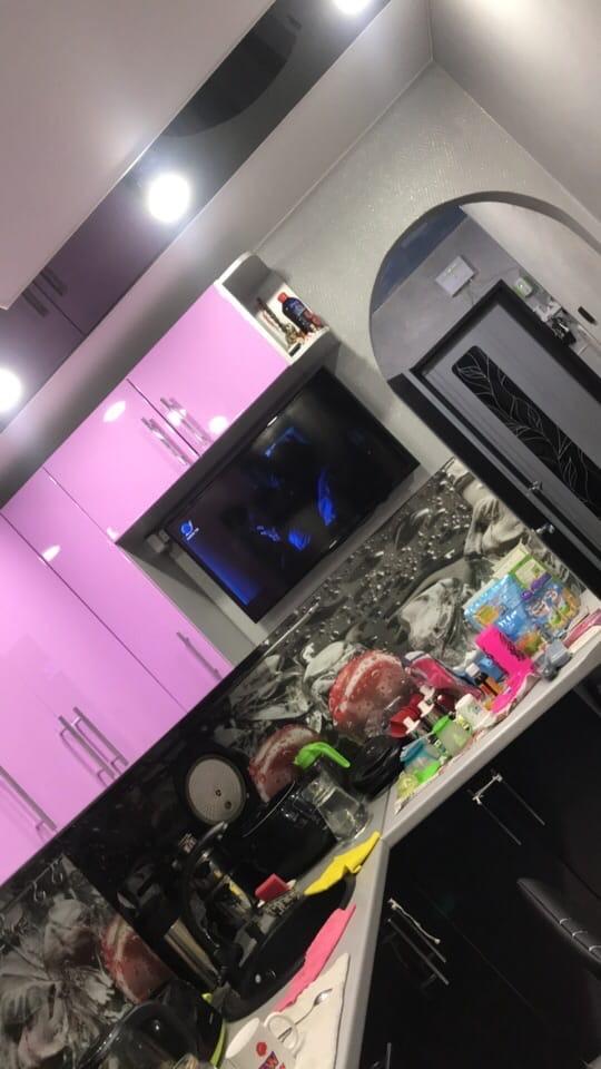 Как было и как стало. Главная задача была всё вместить - посудомойка, духовой шкаф,плита, раковина, холодильник, стиральная машинка и телевизор