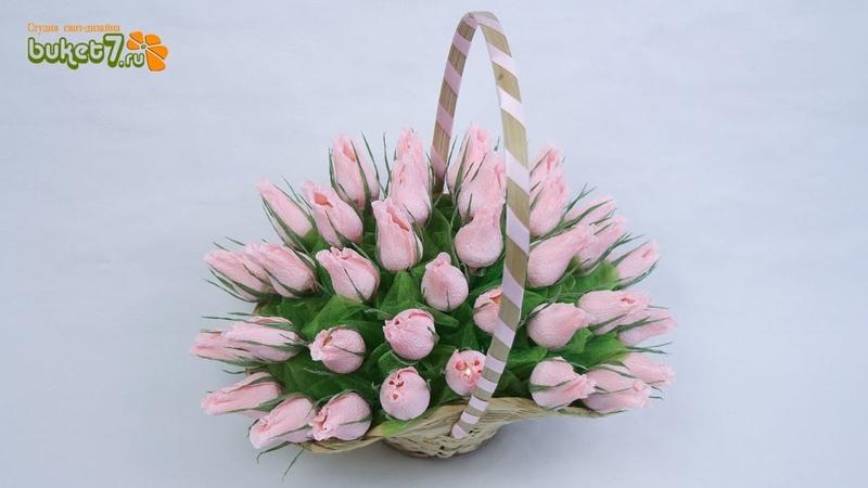 Букет из конфет в корзине с бутонами роз своими руками