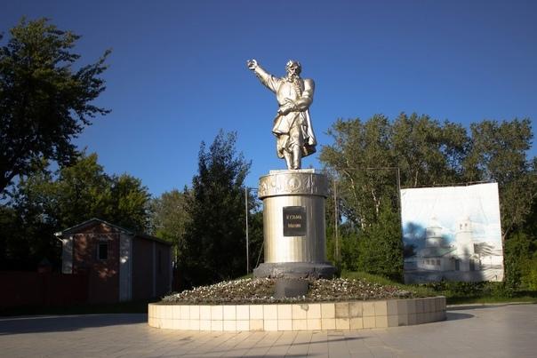30 лет назад был открыт памятник Минину в Балахне....