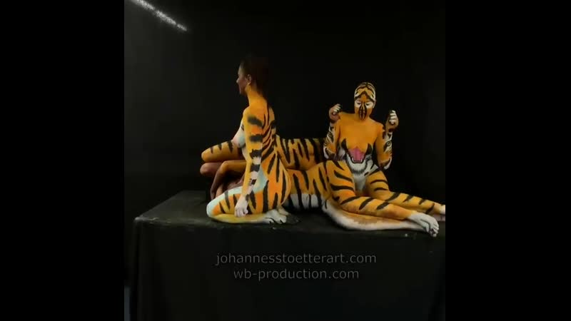 Bodypainting Animal Illusion by - wbproduction artist Johannes Stoetter Art this ( 640p ).mp4