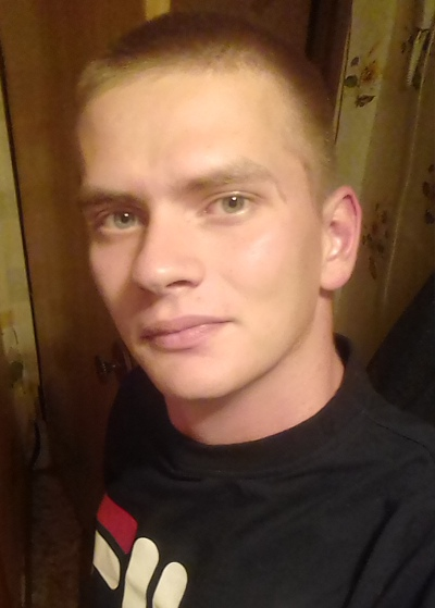Александр, 26, Aksu