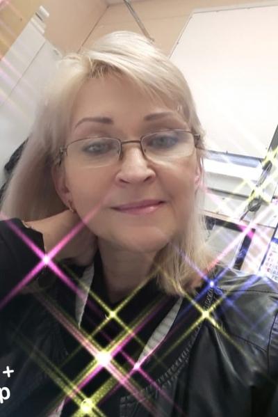 Yulia, 53, Saint Petersburg